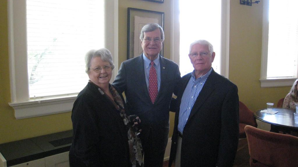 Ann Angle (L), Senator Trent Lott (C) and Bill Gottshall (R)